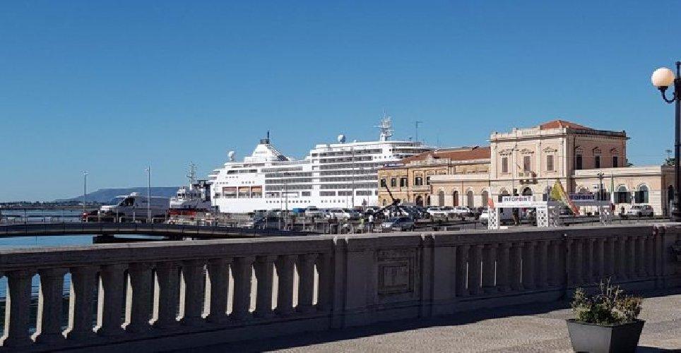 https://www.ragusanews.com//immagini_articoli/28-04-2019/in-sicilia-il-turismo-crocieristico-fa-boom-500.jpg