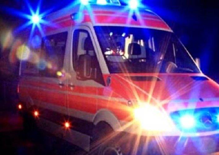 https://www.ragusanews.com//immagini_articoli/28-04-2019/incidente-notte-a-comiso-due-giovani-feriti-uno-grave-500.jpg