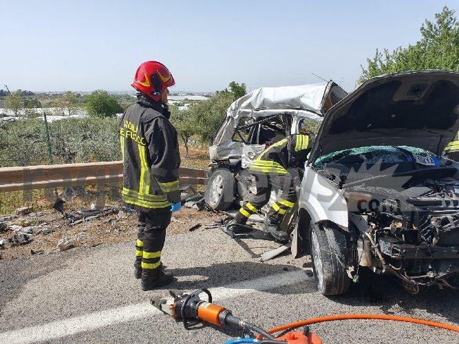 https://www.ragusanews.com//immagini_articoli/28-04-2021/quattro-morti-in-incidente-stradale-lutto-cittadino-a-comiso-500.jpg
