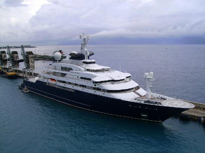 https://www.ragusanews.com//immagini_articoli/28-05-2016/l-ex-yacht-piu-grande-del-mondo-a-siracusa-500.jpg