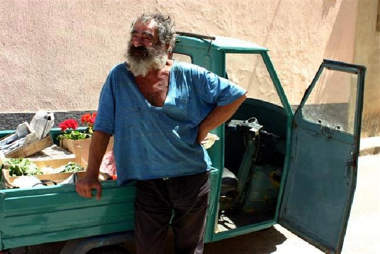 http://www.ragusanews.com//immagini_articoli/28-05-2017/cadavere-uomo-ritrovato-marina-ragusa-enzo-gallaro-500.jpg
