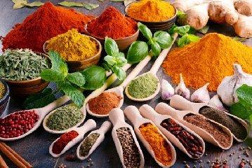 https://www.ragusanews.com//immagini_articoli/28-05-2019/dieta-le-otto-spezie-che-ti-aiutano-a-bruciare-i-grassi-240.jpg