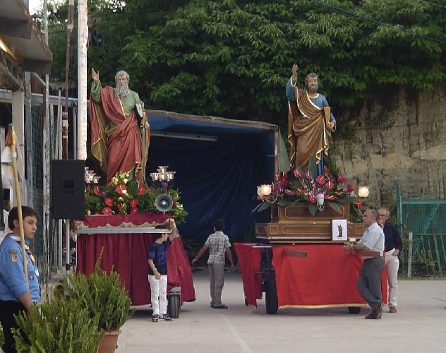 http://www.ragusanews.com//immagini_articoli/28-06-2014/san-pietro-e-paolo-si-incontrano-a-ragusa-500.jpg