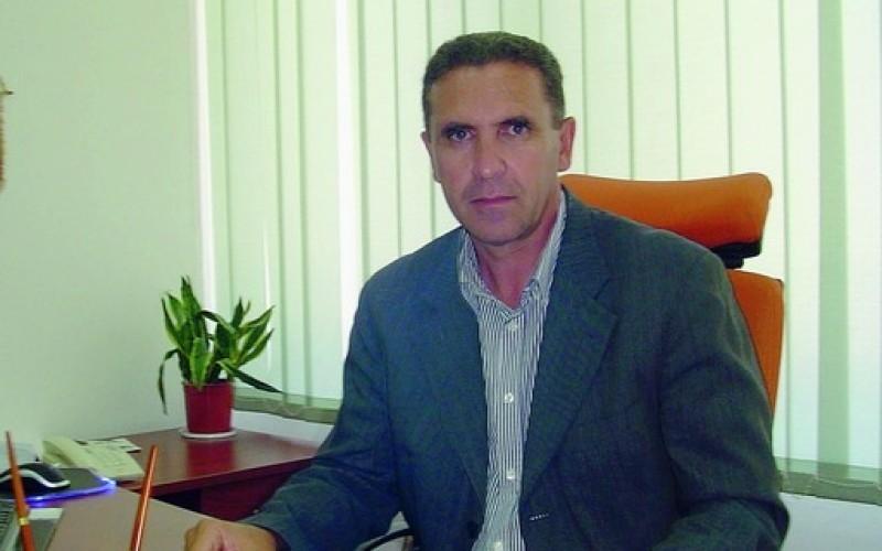 http://www.ragusanews.com//immagini_articoli/28-06-2017/piero-mandar-presidente-consiglio-comunale-santa-croce-500.jpg