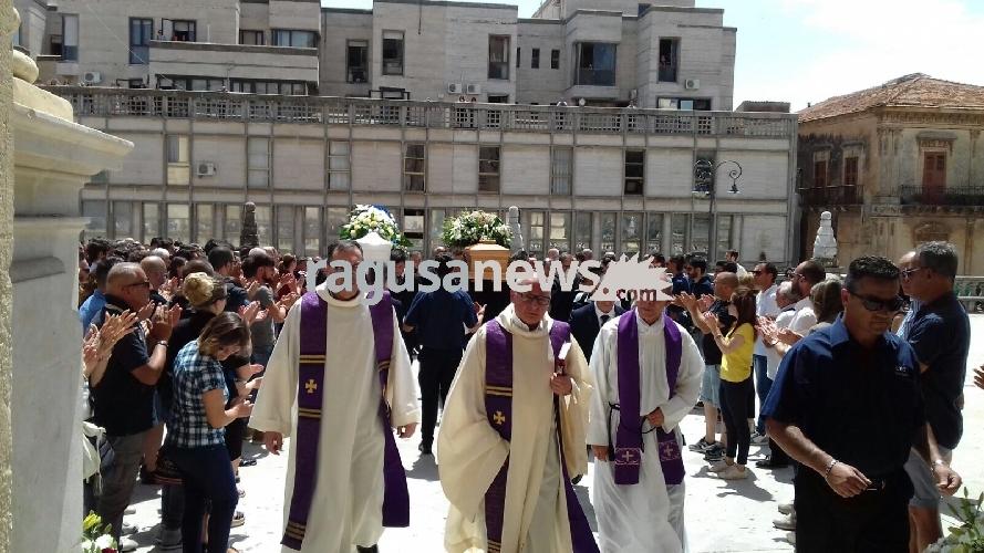 http://www.ragusanews.com//immagini_articoli/28-06-2017/ragusa-saluta-simone-giorgio-500.jpg