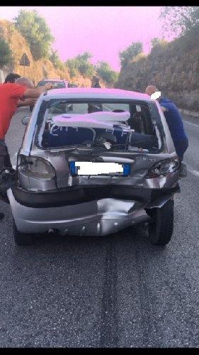 https://www.ragusanews.com//immagini_articoli/28-06-2019/due-incidenti-tre-feriti-un-ubriaco-a-modica-500.jpg