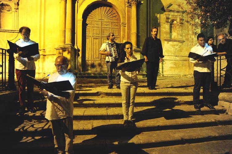 https://www.ragusanews.com//immagini_articoli/28-07-2014/a-modica-la-cultura-e-la-strada-500.jpg