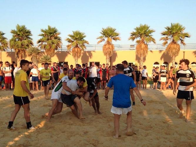 https://www.ragusanews.com//immagini_articoli/28-07-2014/piace-la-spiaggia-artificiale-a-marina-di-ragusa-500.jpg