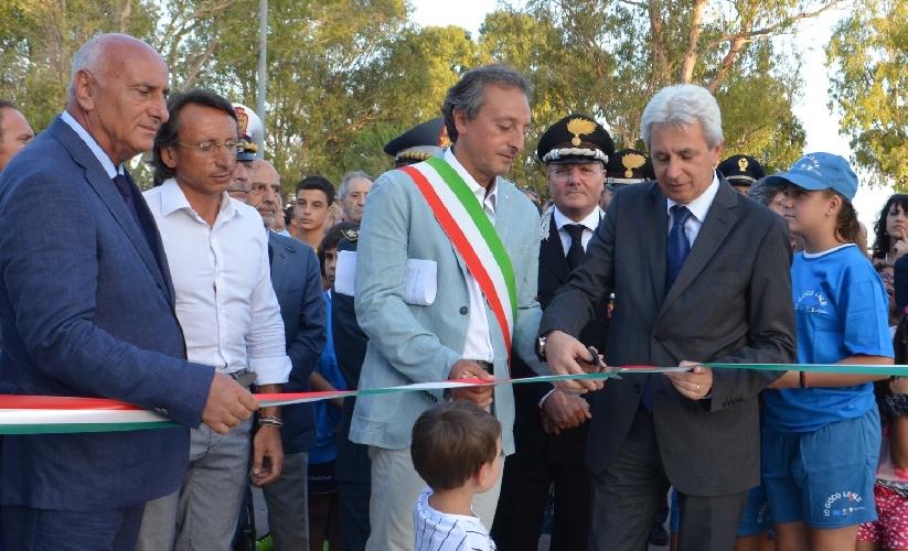 https://www.ragusanews.com//immagini_articoli/28-07-2015/inaugurato-il-campo-sportivo-polivalente-marco-verde-500.jpg