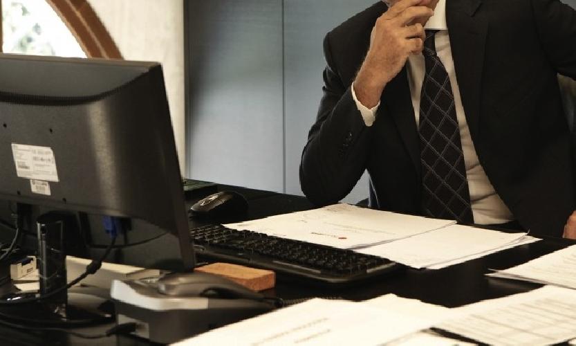 https://www.ragusanews.com//immagini_articoli/28-07-2015/puo-un-direttore-di-banca-comprare-una-casa-all-asta-500.jpg