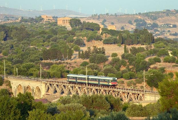 http://www.ragusanews.com//immagini_articoli/28-07-2016/treno-barocco-prossimi-appuntamenti-agrigento-scicli-e-ragusa-420.jpg