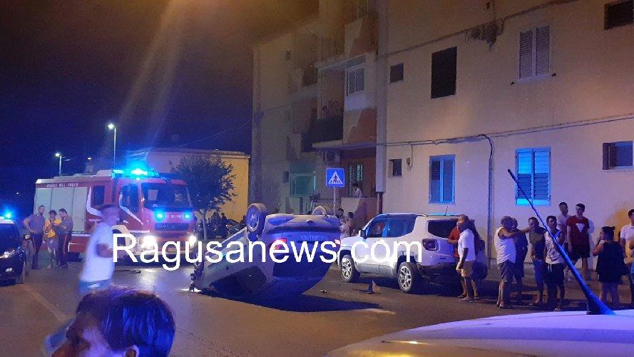 https://www.ragusanews.com//immagini_articoli/28-07-2019/cappotta-un-auto-in-viale-i-maggio-terzo-incidente-in-4-giorni-500.jpg