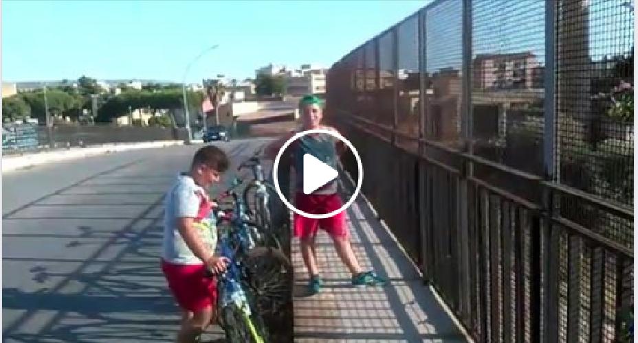 https://www.ragusanews.com//immagini_articoli/28-07-2019/le-domeniche-di-alessio-e-simone-in-bici-video-500.png