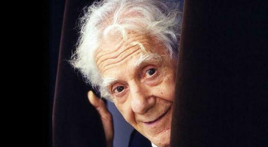 https://www.ragusanews.com//immagini_articoli/28-07-2020/morto-gianrico-tedeschi-aveva-100-anni-500.jpg
