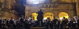 http://www.ragusanews.com//immagini_articoli/28-08-2015/concerto-per-san-vito-100.jpg