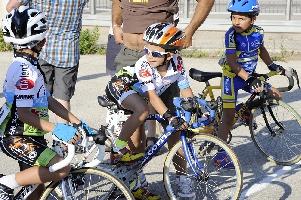 http://www.ragusanews.com//immagini_articoli/28-08-2016/il-ciclismo-che-gioiosamente-canta-e-quello-che-non-conta-200.jpg