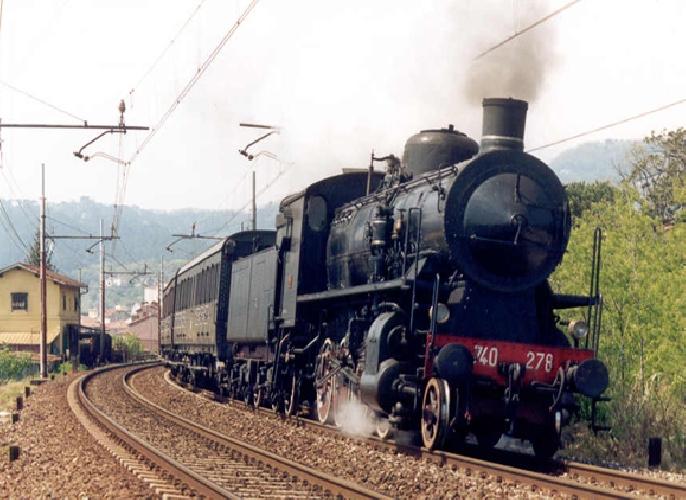 http://www.ragusanews.com//immagini_articoli/28-08-2017/regione-sforna-treni-storici-formaggio-vino-500.jpg