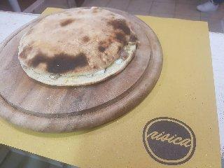 https://www.ragusanews.com//immagini_articoli/28-08-2018/1535611985-stradamangiando-streetfood-ecco-cosa-mangera-durante-zuppa-1-240.jpg