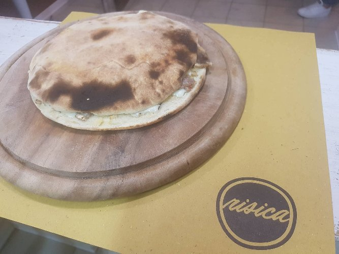 https://www.ragusanews.com//immagini_articoli/28-08-2018/1535611985-stradamangiando-streetfood-ecco-cosa-mangera-durante-zuppa-1-500.jpg