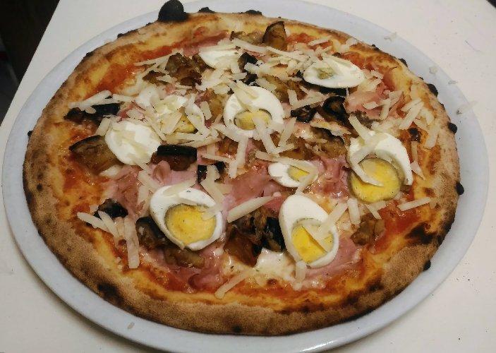 https://www.ragusanews.com//immagini_articoli/28-08-2018/1535611985-stradamangiando-streetfood-ecco-cosa-mangera-durante-zuppa-2-500.jpg