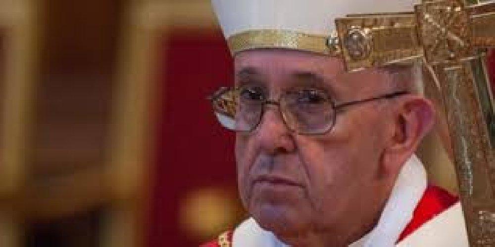 https://www.ragusanews.com//immagini_articoli/28-08-2018/papa-francesco-amareggiato-dimetto-tranquilli-500.jpg