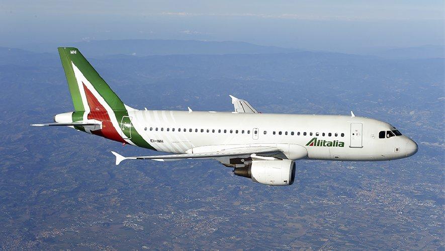 https://www.ragusanews.com//immagini_articoli/28-08-2019/maltempo-volo-alitalia-atterra-a-comiso-anziche-catania-500.jpg