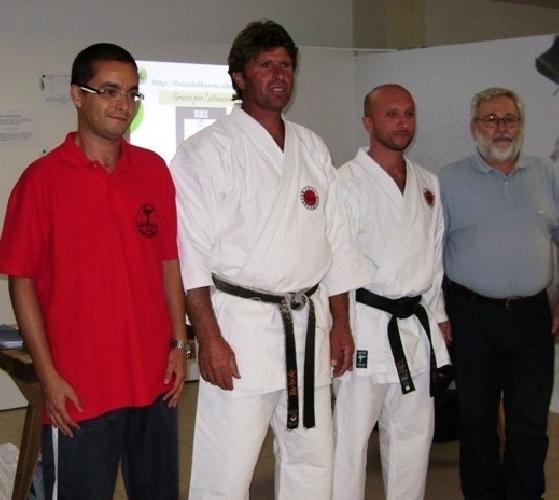 https://www.ragusanews.com//immagini_articoli/28-09-2008/il-cataudella-presenta-fisica-del-karate-alla-notte-dei-ricercatori-di-catania-500.jpg