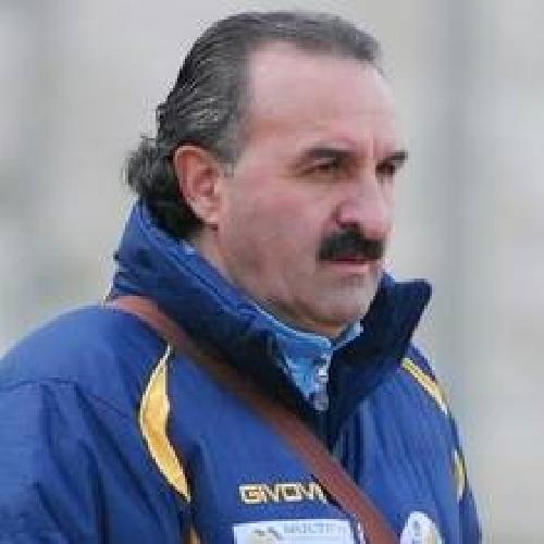 https://www.ragusanews.com//immagini_articoli/28-09-2015/e--morto-peppe-borgese-storico-allenatore-del-comiso-500.jpg