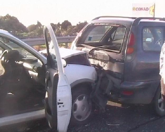 https://www.ragusanews.com//immagini_articoli/28-09-2015/grave-incidente-sul-ponte-guerrieri-500.jpg
