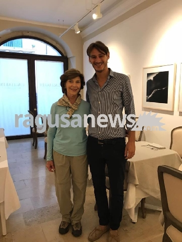 https://www.ragusanews.com//immagini_articoli/28-09-2017/laura-bush-noto-500.jpg