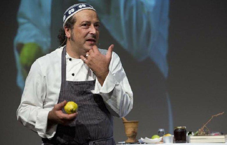 https://www.ragusanews.com//immagini_articoli/28-09-2019/carmelo-chiaramonte-io-chef-sperimentatore-lontano-droga-500.jpg
