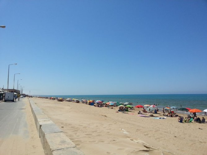 https://www.ragusanews.com//immagini_articoli/28-09-2019/rumeni-ladri-chalet-di-marina-di-acate-500.jpg