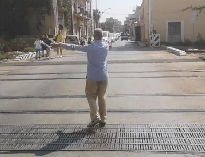 https://www.ragusanews.com//immagini_articoli/28-09-2021/giro-di-sicilia-c-e-chi-dice-no-traffico-paralizzato-vergogna-video-500.jpg