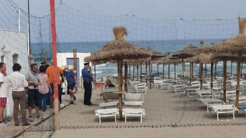 https://www.ragusanews.com//immagini_articoli/28-09-2021/malore-in-mare-in-vacanza-col-marito-annega-all-isola-delle-femmine-280.jpg
