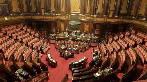 https://www.ragusanews.com//immagini_articoli/28-09-2021/si-presenta-in-senato-il-centro-studi-dedicato-a-franco-battiato-280.jpg