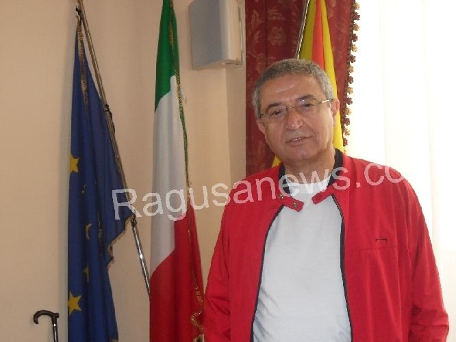 https://www.ragusanews.com//immagini_articoli/28-10-2013/uccio-vindigni-apre-ad-ammatuna-sara-assessore-500.jpg