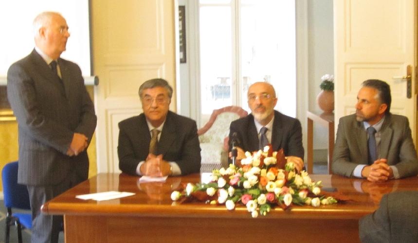 https://www.ragusanews.com//immagini_articoli/28-10-2014/fondazione-grimaldi-premia-tre-ricercatori-cnr-catania-500.jpg