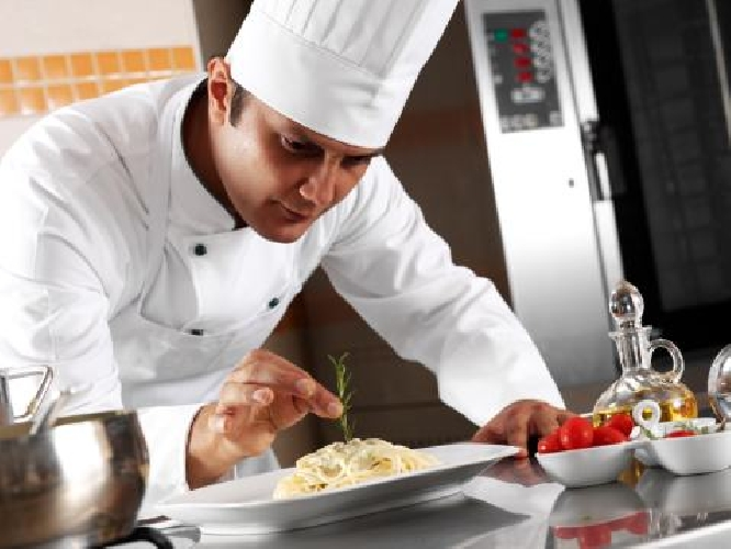 https://www.ragusanews.com//immagini_articoli/28-10-2014/offro-lavoro-come-chef-500.jpg