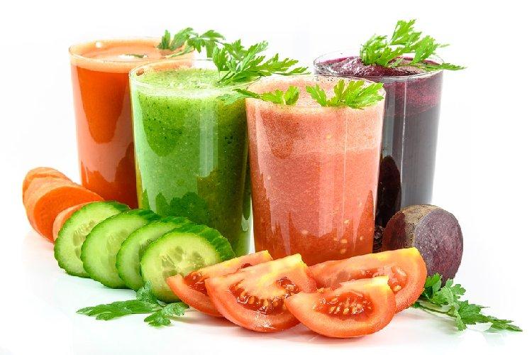 https://www.ragusanews.com//immagini_articoli/28-10-2019/nutrizione-cosa-mangiare-per-rimanere-in-forma-500.jpg