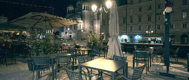 https://www.ragusanews.com//immagini_articoli/28-10-2020/orario-di-chiusura-tra-le-22-e-le-23-per-bar-e-ristoranti-in-arrivo-decret-280.jpg