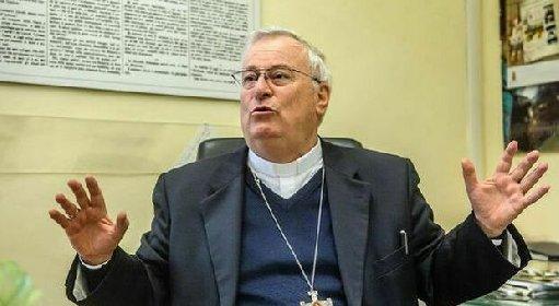 https://www.ragusanews.com//immagini_articoli/28-10-2020/positivo-al-covid-il-cardinal-bassetti-280.jpg