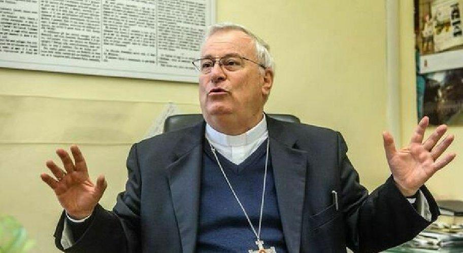 https://www.ragusanews.com//immagini_articoli/28-10-2020/positivo-al-covid-il-cardinal-bassetti-500.jpg