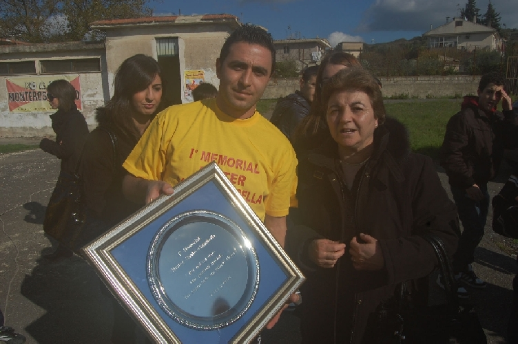 https://www.ragusanews.com//immagini_articoli/28-11-2011/monterosso-memorial-santo-carnibella-500.jpg