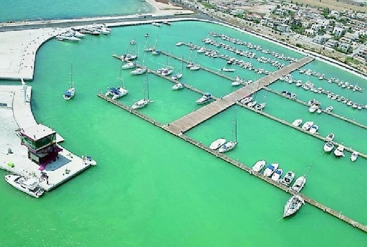 https://www.ragusanews.com//immagini_articoli/28-11-2014/pizzo-al-porto-di-marina-di-ragusa-due-condanne-500.jpg