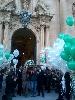 http://www.ragusanews.com//immagini_articoli/28-11-2016/palloncini-bianchi-e-verdi-per-i-funerali-di-pamela-100.jpg