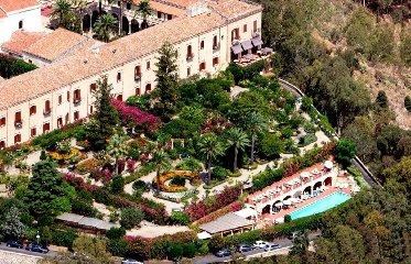 https://www.ragusanews.com//immagini_articoli/28-11-2019/taormina-riapre-l-hotel-san-domenico-forse-con-padrone-240.jpg