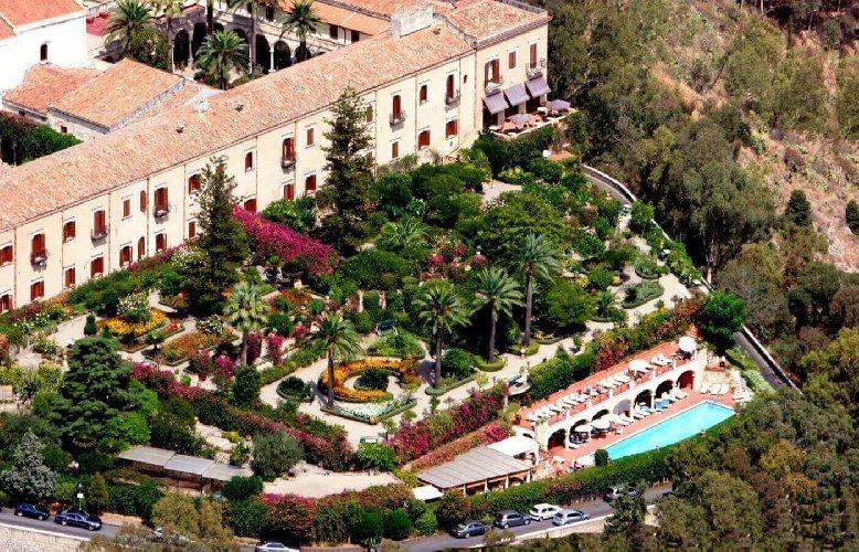 https://www.ragusanews.com//immagini_articoli/28-11-2019/taormina-riapre-l-hotel-san-domenico-forse-con-padrone-500.jpg