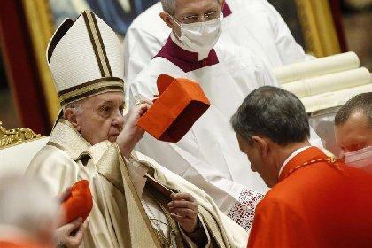https://www.ragusanews.com//immagini_articoli/28-11-2020/papa-francesco-ha-creato-13-nuovi-cardinali-280.jpg