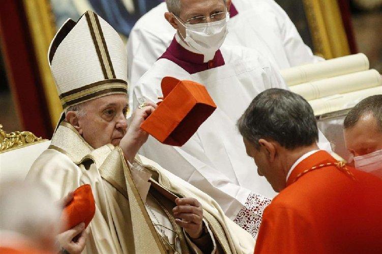 https://www.ragusanews.com//immagini_articoli/28-11-2020/papa-francesco-ha-creato-13-nuovi-cardinali-500.jpg