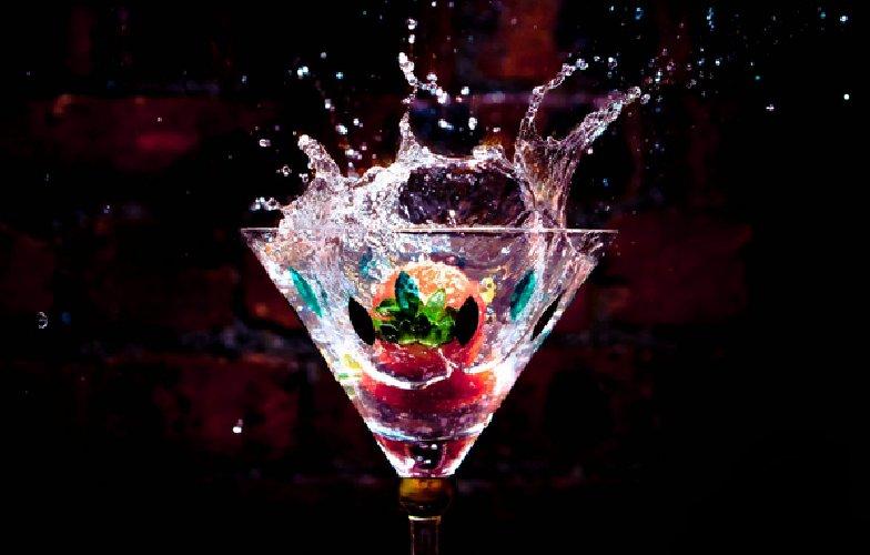https://www.ragusanews.com//immagini_articoli/28-12-2017/cocktails-perdere-brindare-anno-500.jpg